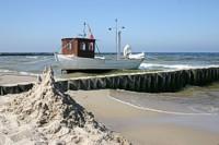 Fischerboot, Strand von Koserow